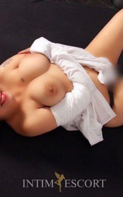 Efa dicke reife elite huren mollige edel nutten anal sex Mature Lady