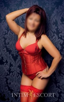 Tina hot Mature Milf escort modelle berlin