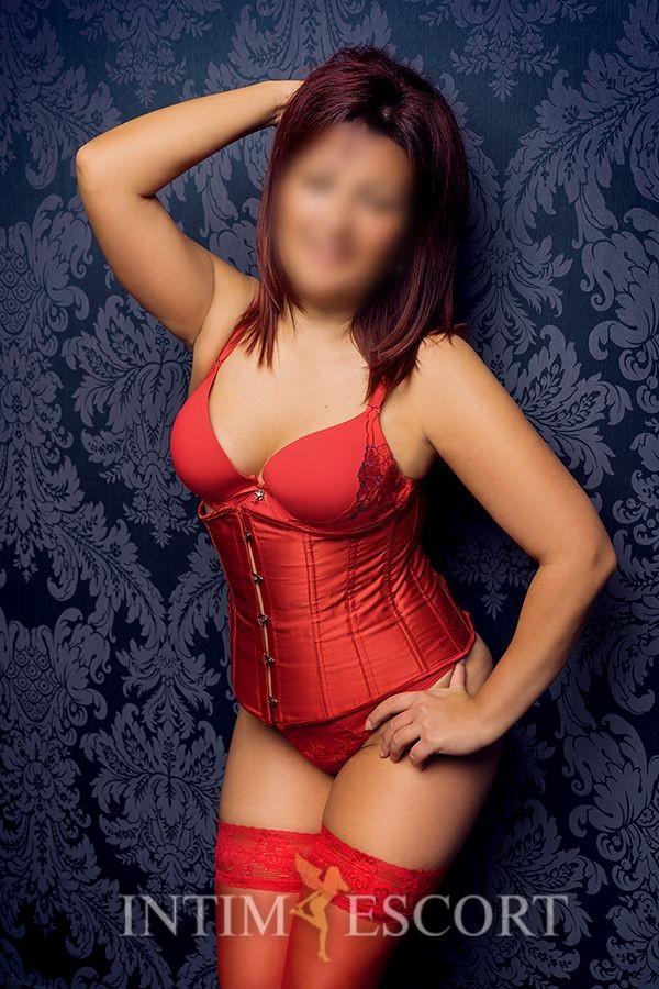 Tina hot Mature Milf escort modelle berlin